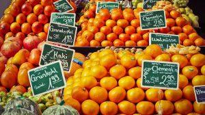 Früchtestand und Preise Bild von Michael Gaida auf Pixabay